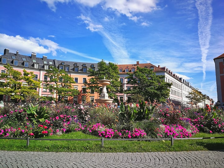 Gärtnerplatz with flowers
