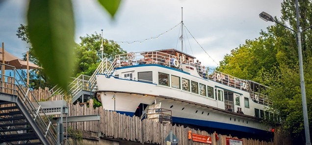 boat Alte Utting on top of a rail bridge